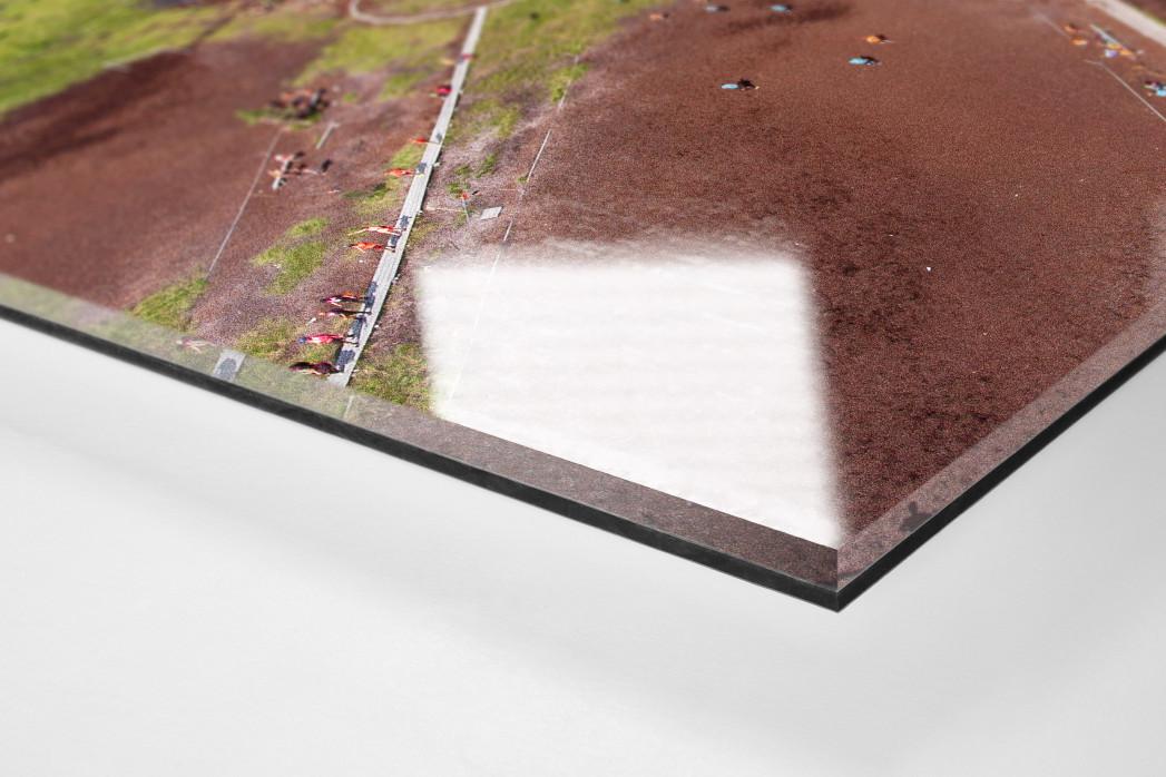 Fußballplatz in Hyrynsalmi als Direktdruck auf Alu-Dibond hinter Acrylglas (Detail)