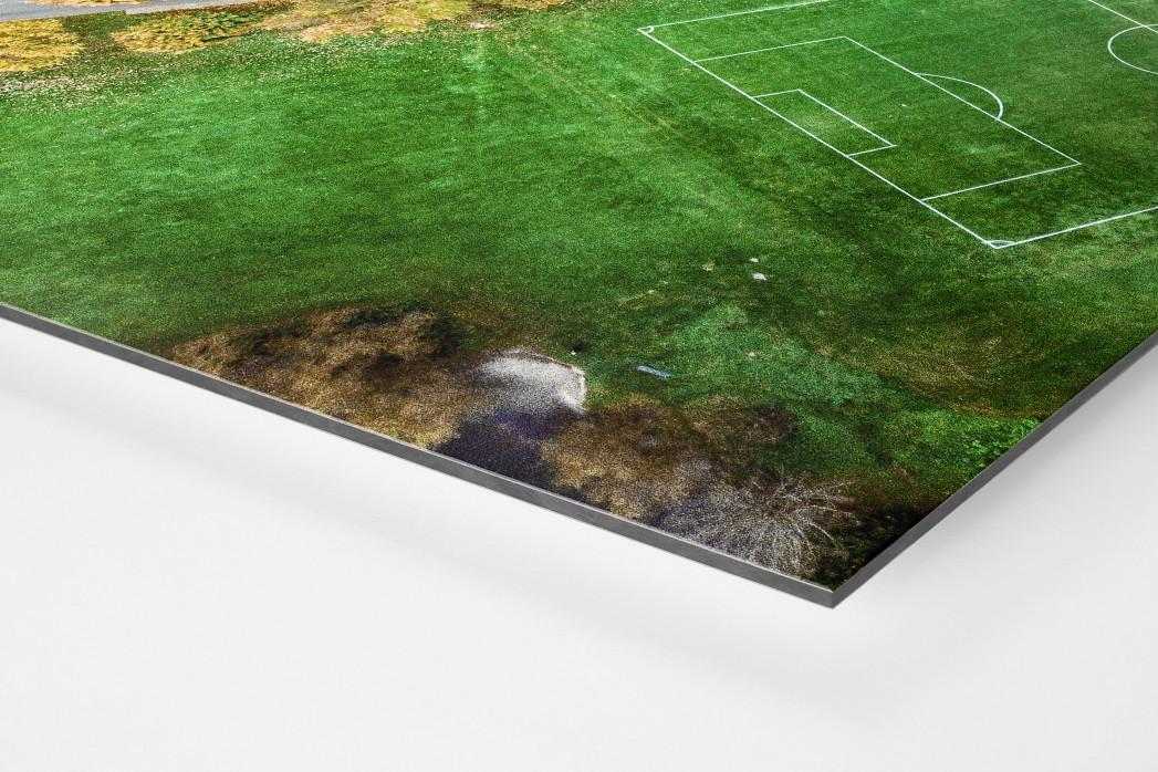 Fußballplatz in Shrewsbury als auf Alu-Dibond kaschierter Fotoabzug (Detail)