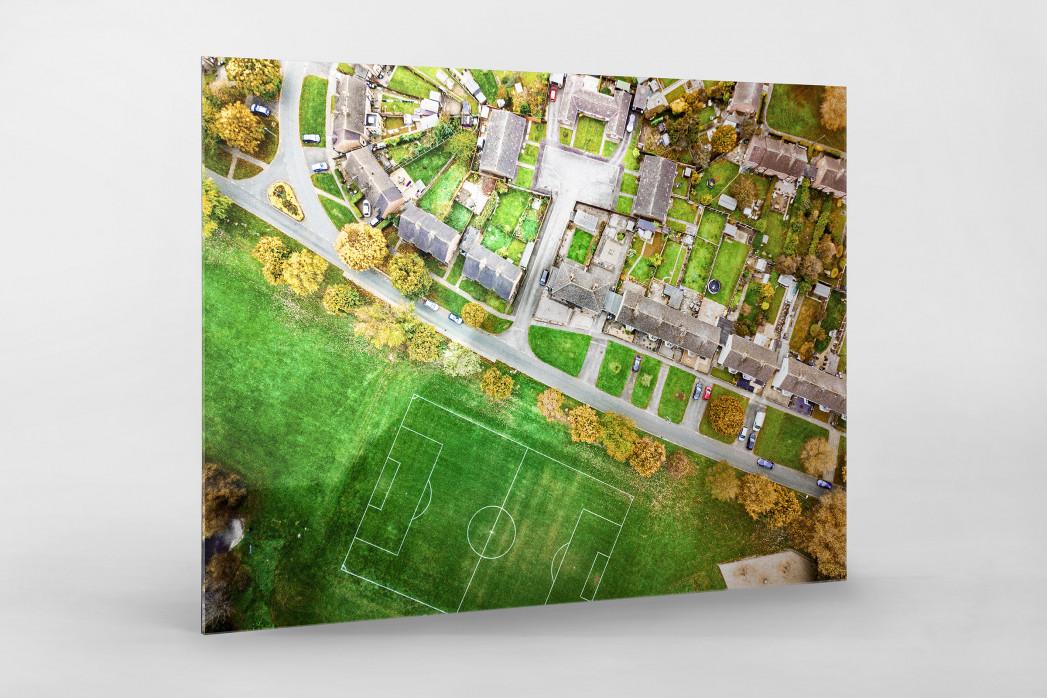 Fußballplatz in Shrewsbury als Direktdruck auf Alu-Dibond hinter Acrylglas