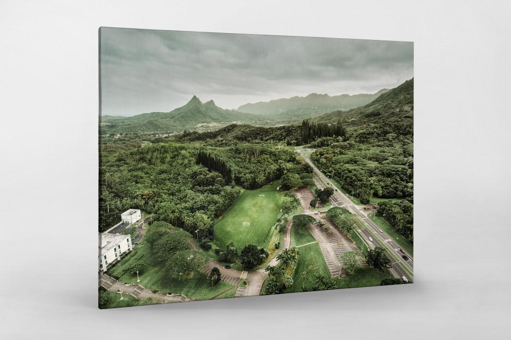 Fußballplatz in Honolulu als Leinwand auf Keilrahmen gezogen