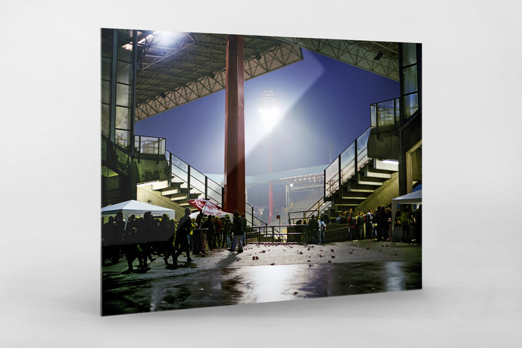 Westfalenstadion nach dem Spiel als Direktdruck auf Alu-Dibond hinter Acrylglas
