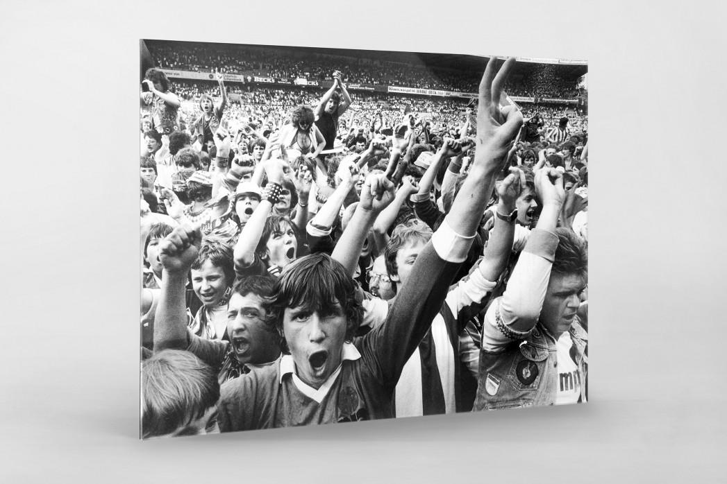 Bremen Fans 1983 als Direktdruck auf Alu-Dibond hinter Acrylglas