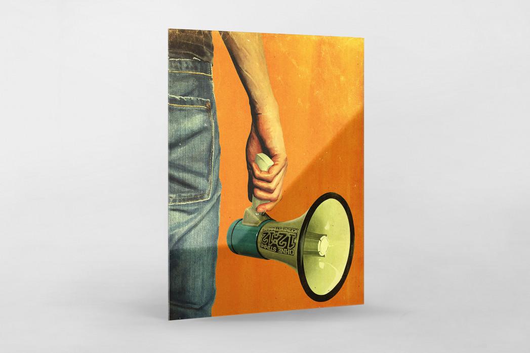 Fan mit Megaphon als Direktdruck auf Alu-Dibond hinter Acrylglas