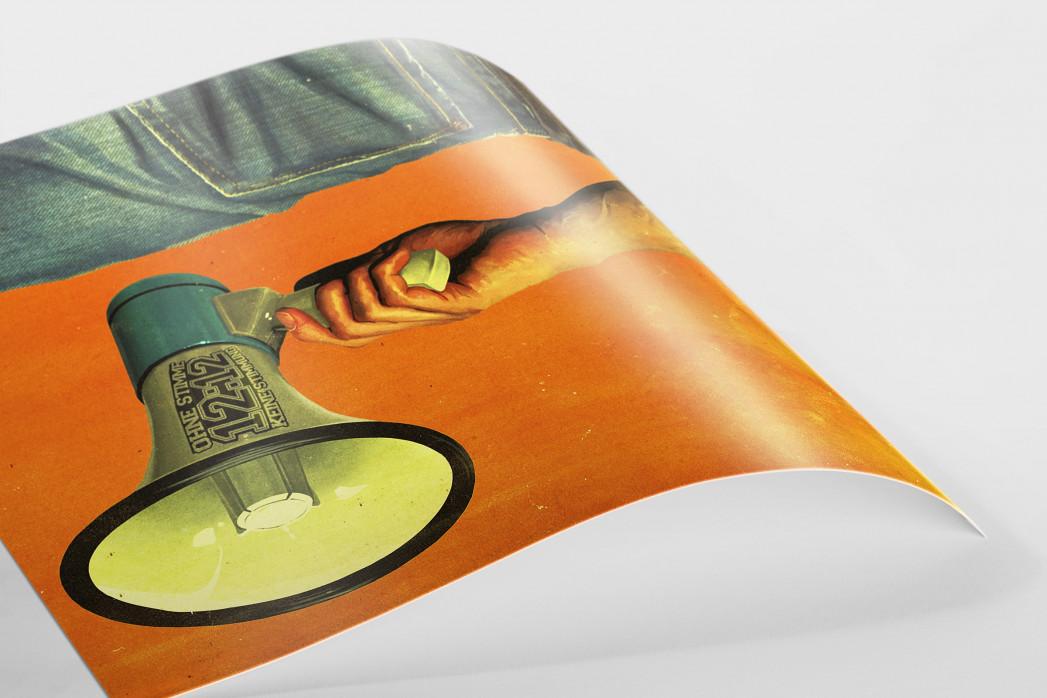 Fan mit Megaphon als FineArt-Print