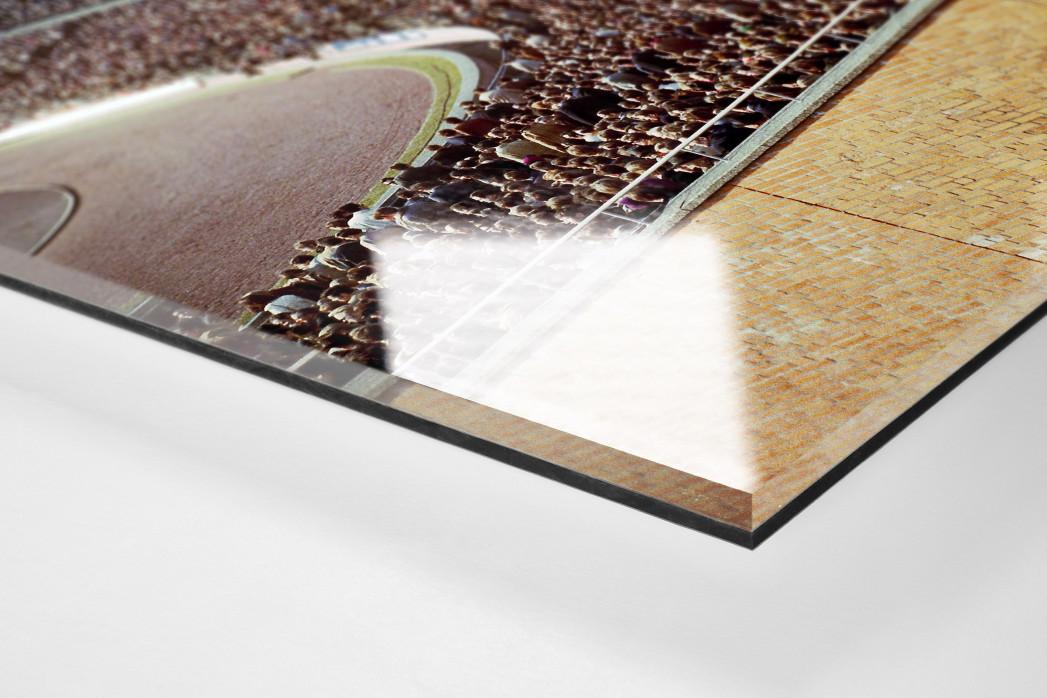 Tribüne Niedersachsenstadion als Direktdruck auf Alu-Dibond hinter Acrylglas (Detail)