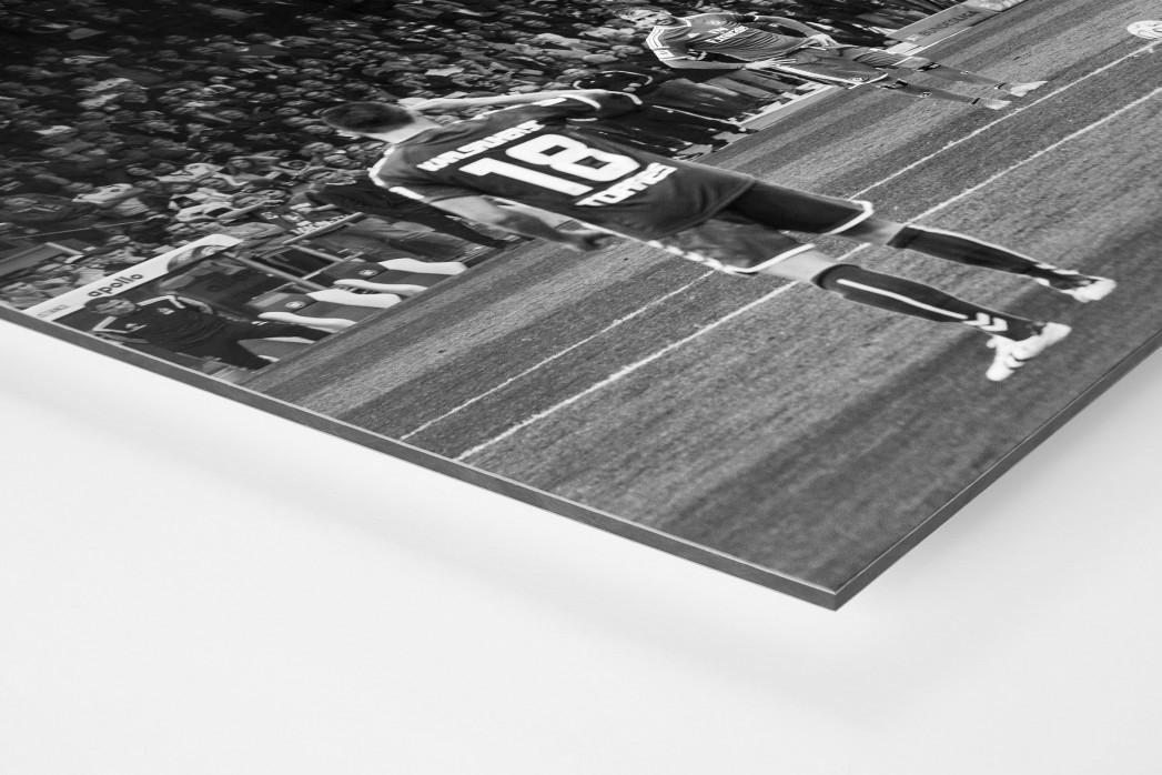 HSV Freistoß ins Glück (sw) als auf Alu-Dibond kaschierter Fotoabzug (Detail)