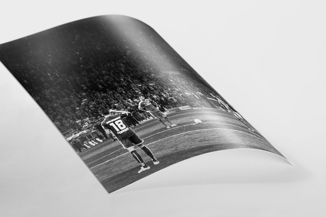 HSV Freistoß ins Glück (sw) als FineArt-Print