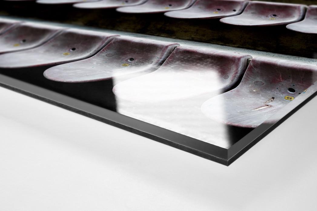 Sitzschalen in Pisa als Direktdruck auf Alu-Dibond hinter Acrylglas (Detail)