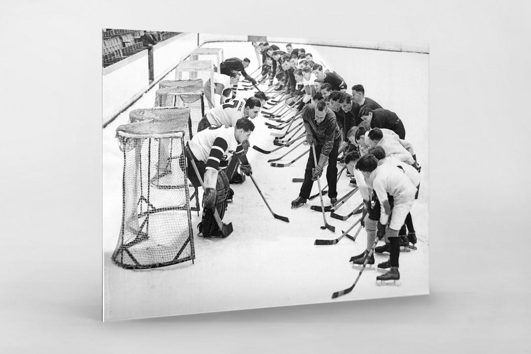Eishockeytraining in der Wembley Arena als Direktdruck auf Alu-Dibond hinter Acrylglas