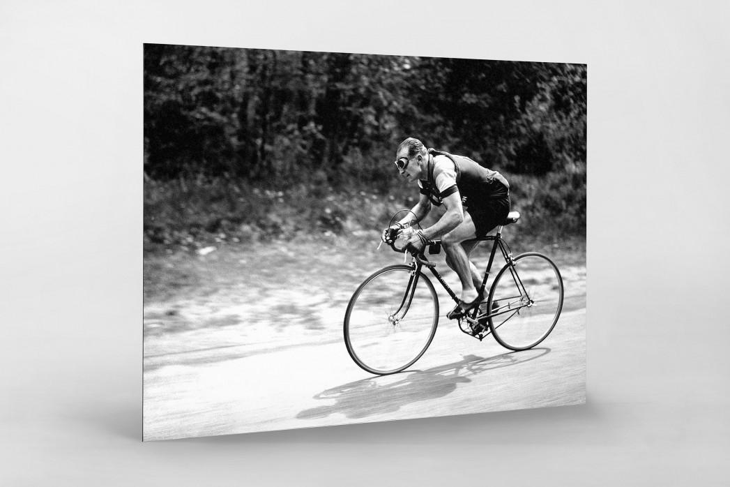 Mit Brille bei der Tour 1937 als auf Alu-Dibond kaschierter Fotoabzug