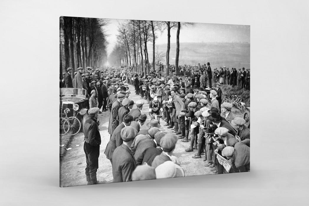Schaulustige bei Paris-Roubaix als Leinwand auf Keilrahmen gezogen