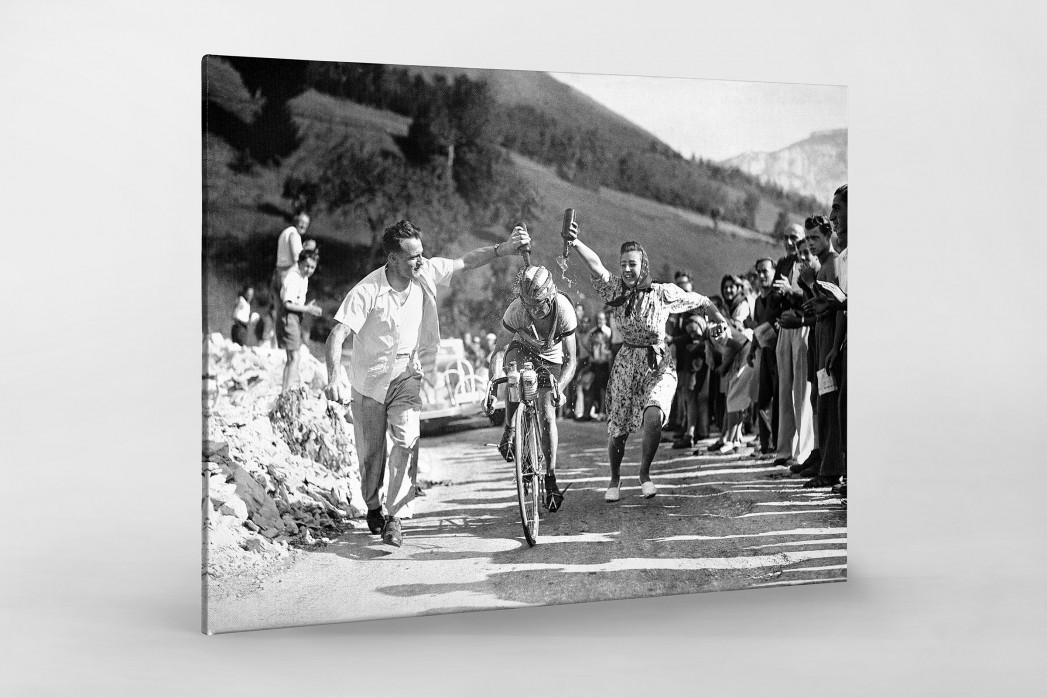 Zuschauer erfrischen bei der Tour 1947 als Leinwand auf Keilrahmen gezogen