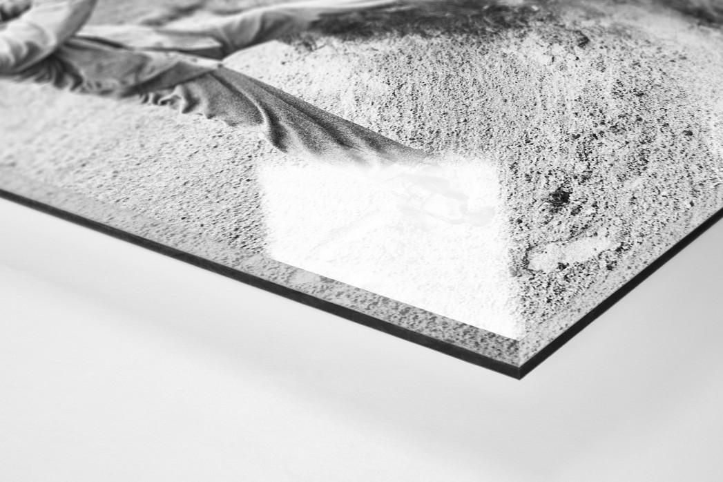 Ein kraftvoller Schlag als Direktdruck auf Alu-Dibond hinter Acrylglas (Detail)
