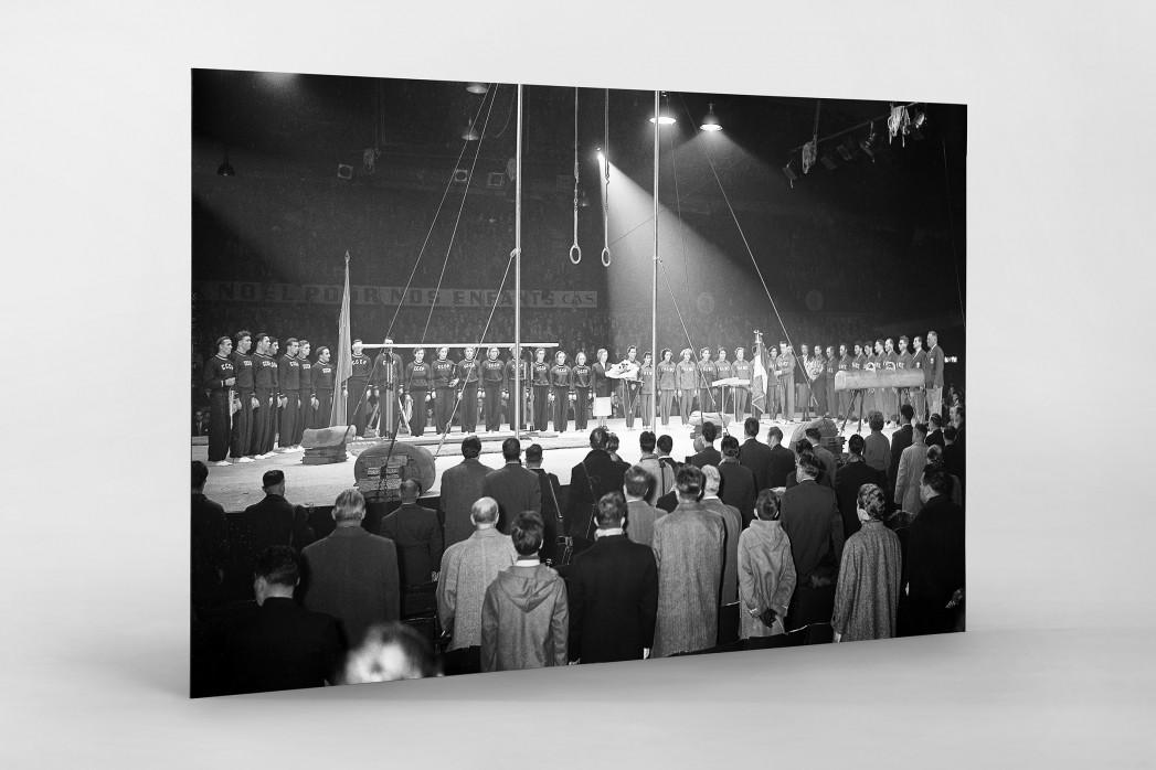 Französich-Sowjetisches Turnfest als auf Alu-Dibond kaschierter Fotoabzug
