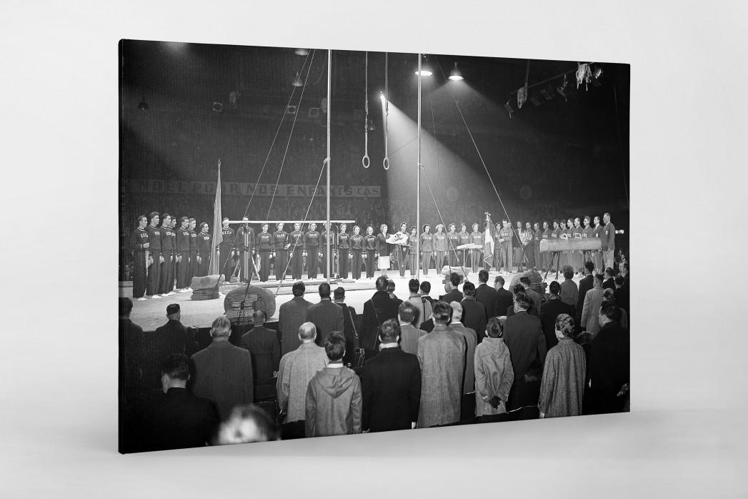 Französich-Sowjetisches Turnfest als Leinwand auf Keilrahmen gezogen
