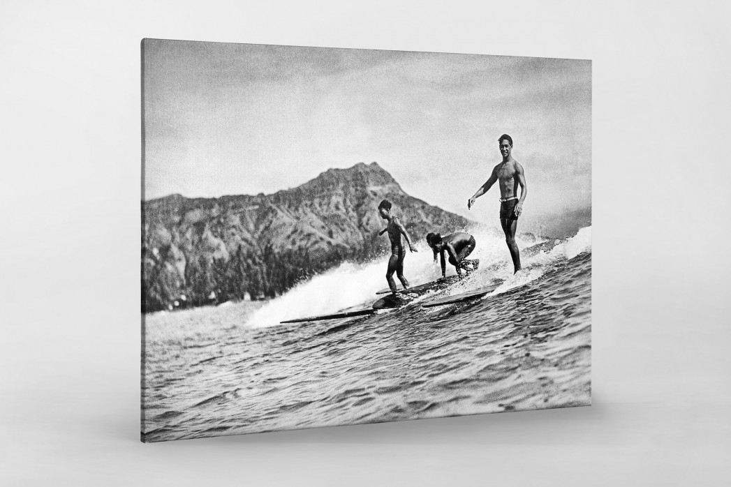 Surfen in Honolulu als Leinwand auf Keilrahmen gezogen