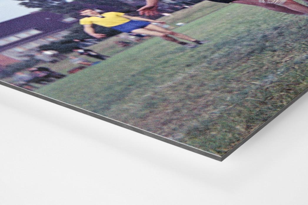 Feldhandball in den Sechzigern als auf Alu-Dibond kaschierter Fotoabzug (Detail)
