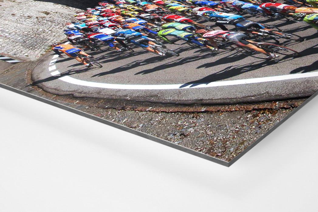 Hauptfeld und See bei Lombardei-Rundfahrt als auf Alu-Dibond kaschierter Fotoabzug (Detail)