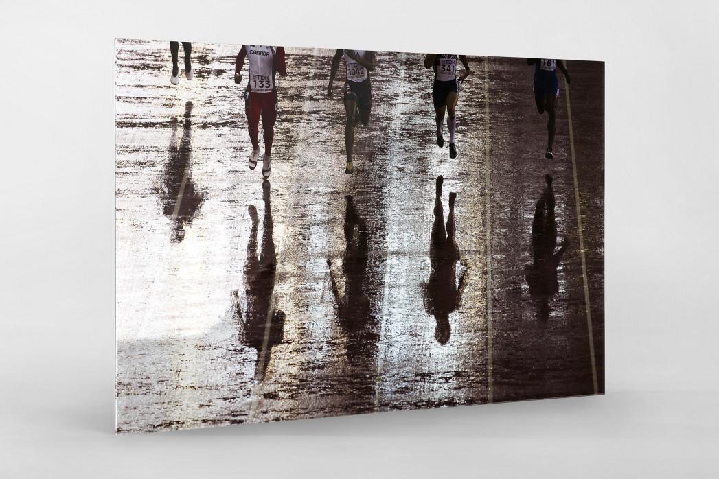 Läufer mit Schatten als Direktdruck auf Alu-Dibond hinter Acrylglas