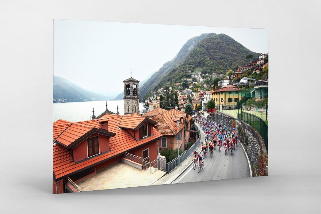Straße und Panorama bei Lombardei Rundfahrt als auf Alu-Dibond kaschierter Fotoabzug