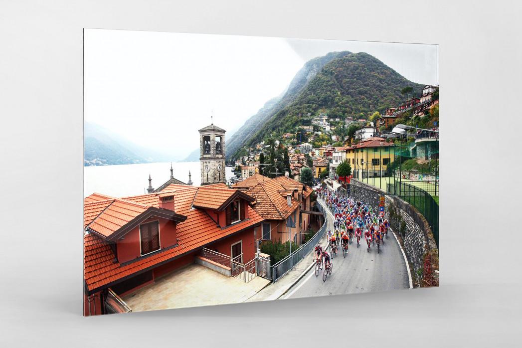 Straße und Panorama bei Lombardei Rundfahrt als Direktdruck auf Alu-Dibond hinter Acrylglas