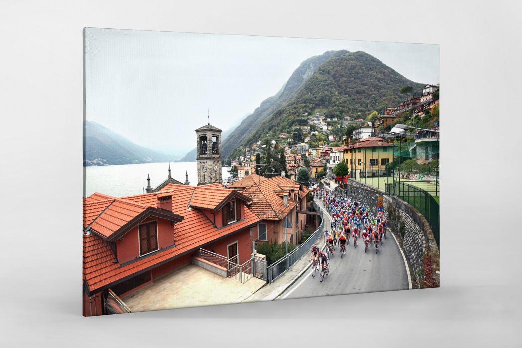 Straße und Panorama bei Lombardei Rundfahrt als Leinwand auf Keilrahmen gezogen