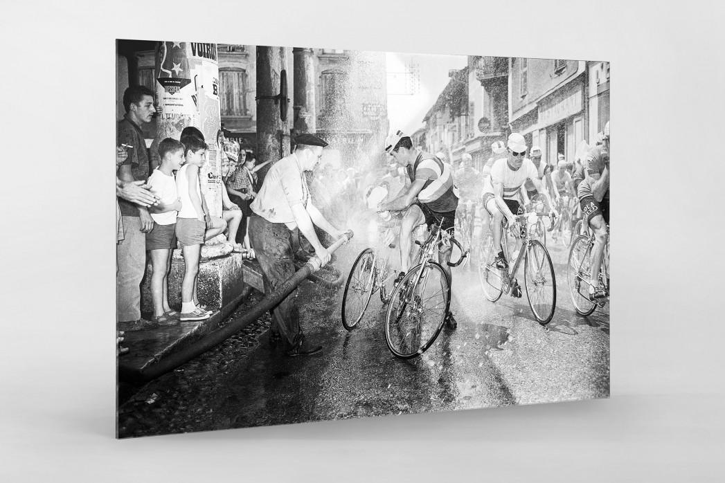 Erfrischung bei der Tour 1961 als Direktdruck auf Alu-Dibond hinter Acrylglas