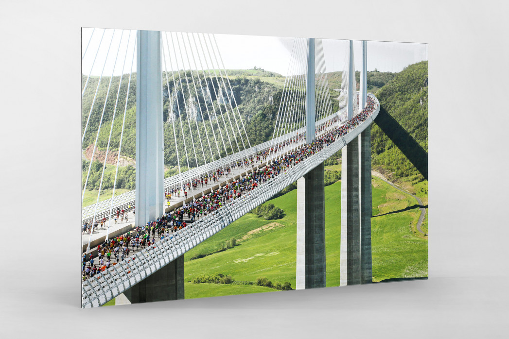 Marathon über die Brücke als Direktdruck auf Alu-Dibond hinter Acrylglas