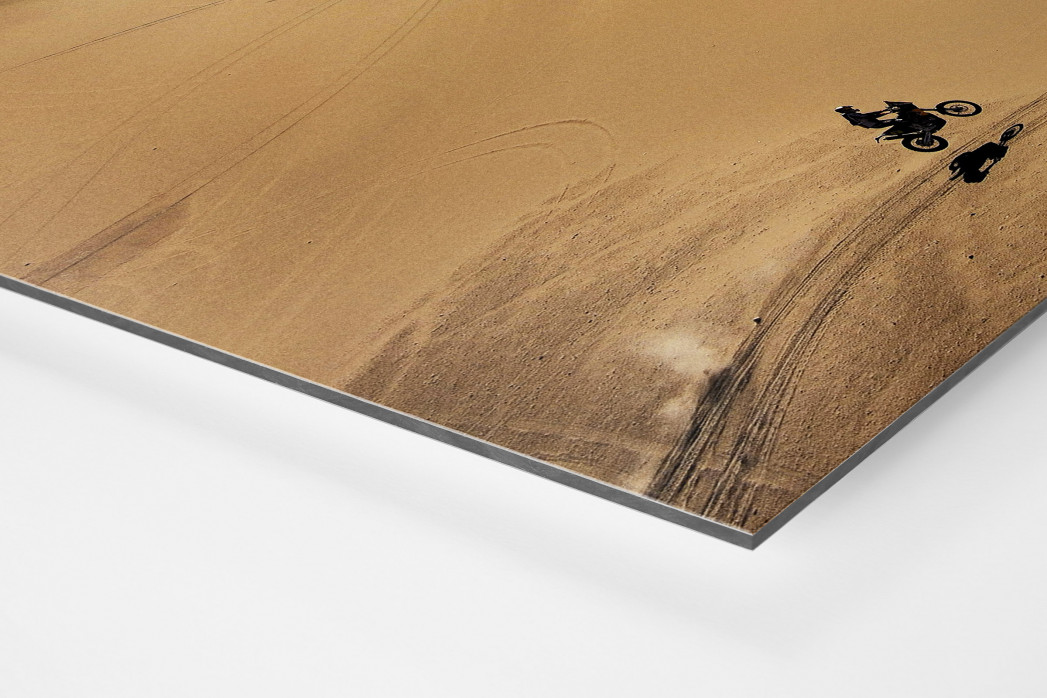 Motorrad im chilenischen Sand (1) als auf Alu-Dibond kaschierter Fotoabzug (Detail)