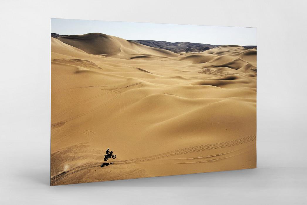 Motorrad im chilenischen Sand (1) als auf Alu-Dibond kaschierter Fotoabzug