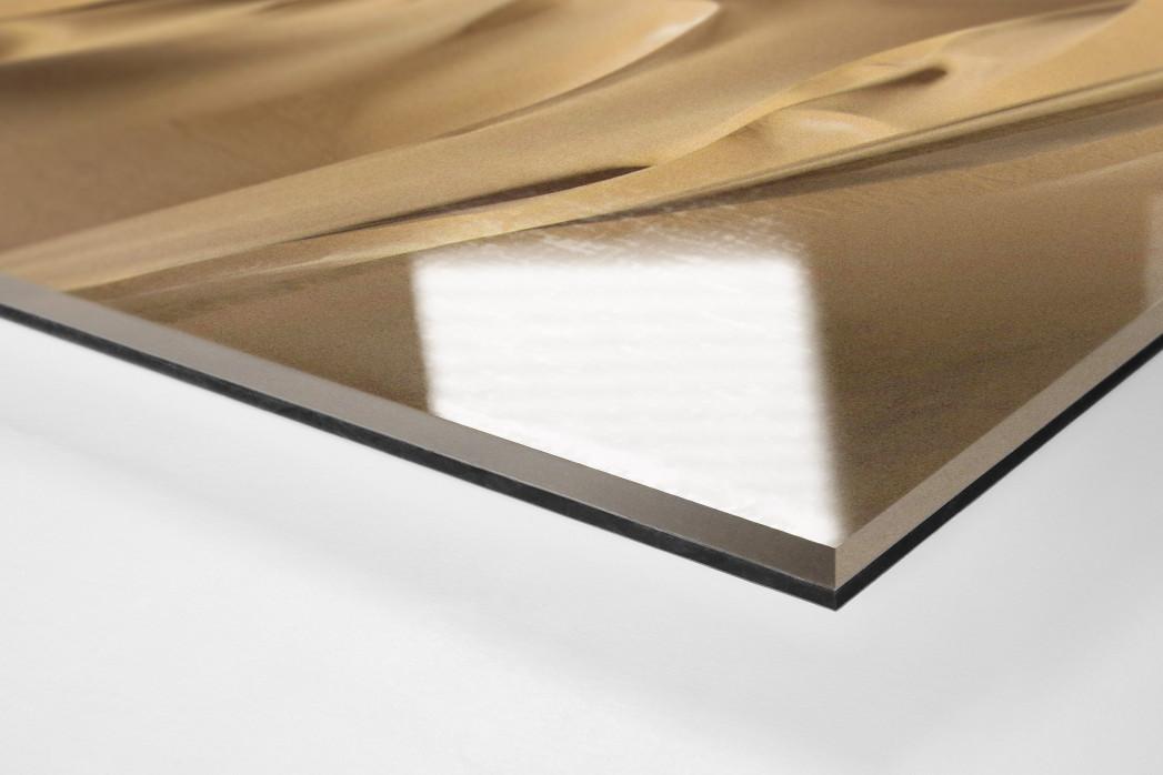 Motorrad im chilenischen Sand (2) als Direktdruck auf Alu-Dibond hinter Acrylglas (Detail)