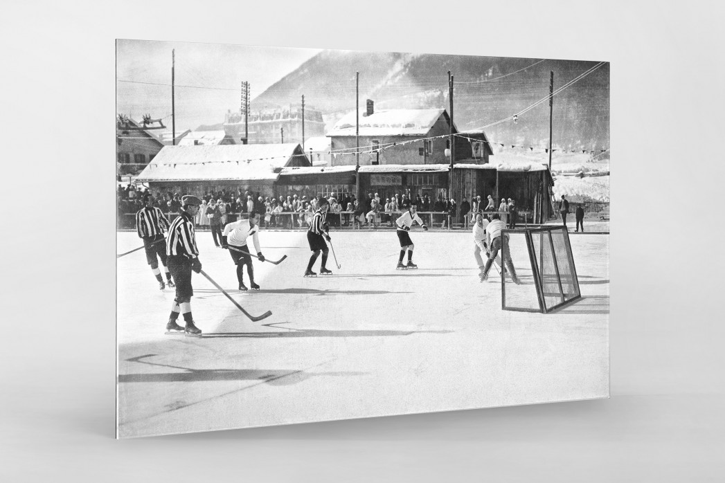 Eishockey in Chamonix (1) als Direktdruck auf Alu-Dibond hinter Acrylglas