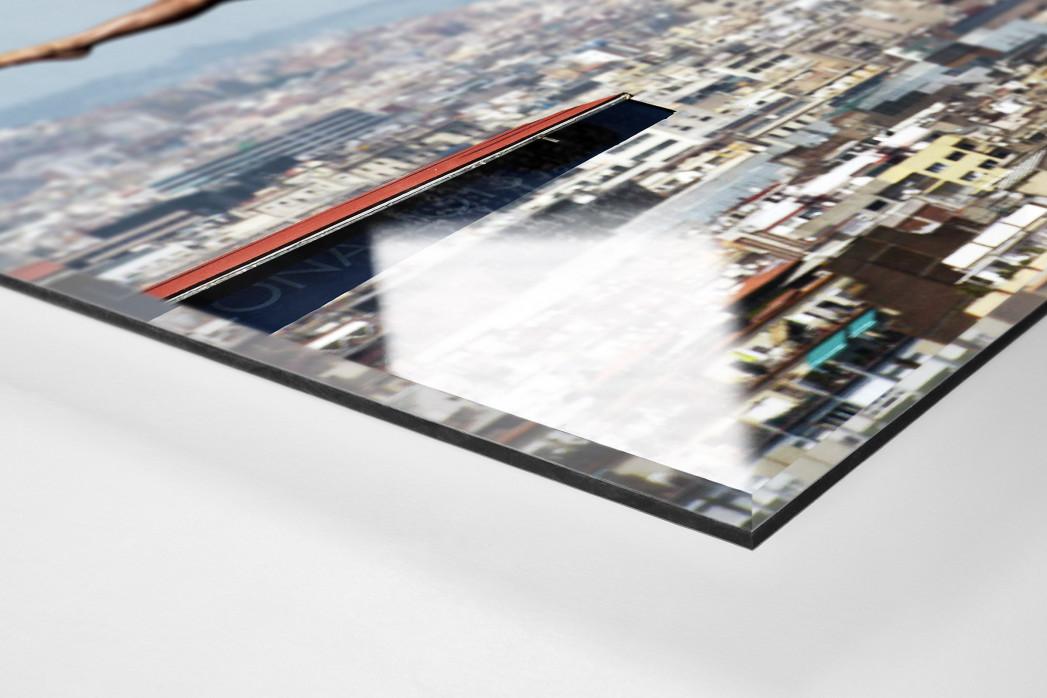 Turmspringen mit Blick auf Barcelona als Direktdruck auf Alu-Dibond hinter Acrylglas (Detail)