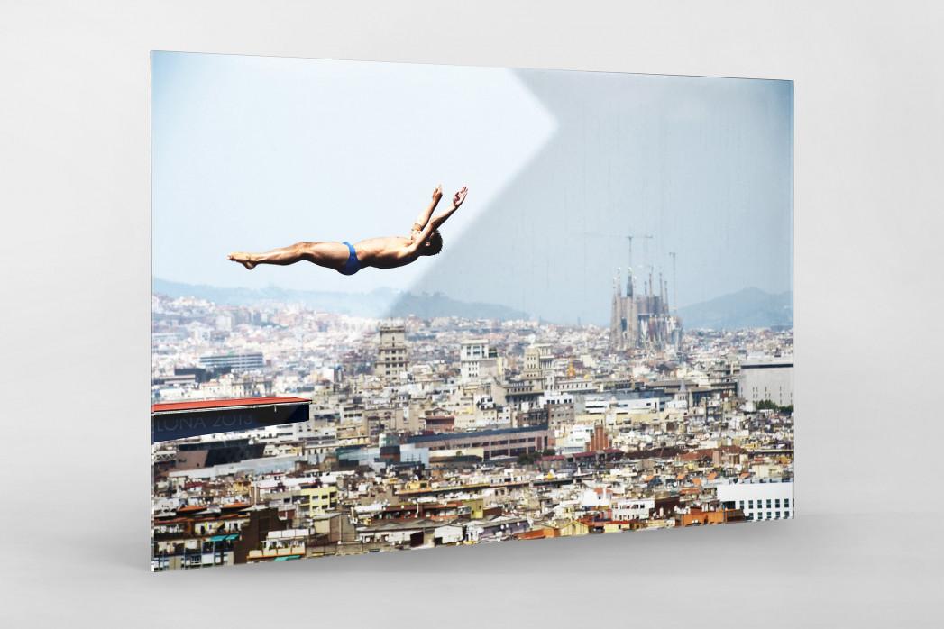 Turmspringen mit Blick auf Barcelona als Direktdruck auf Alu-Dibond hinter Acrylglas