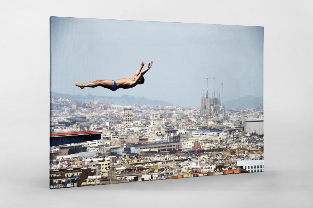 Turmspringen mit Blick auf Barcelona als Leinwand auf Keilrahmen gezogen