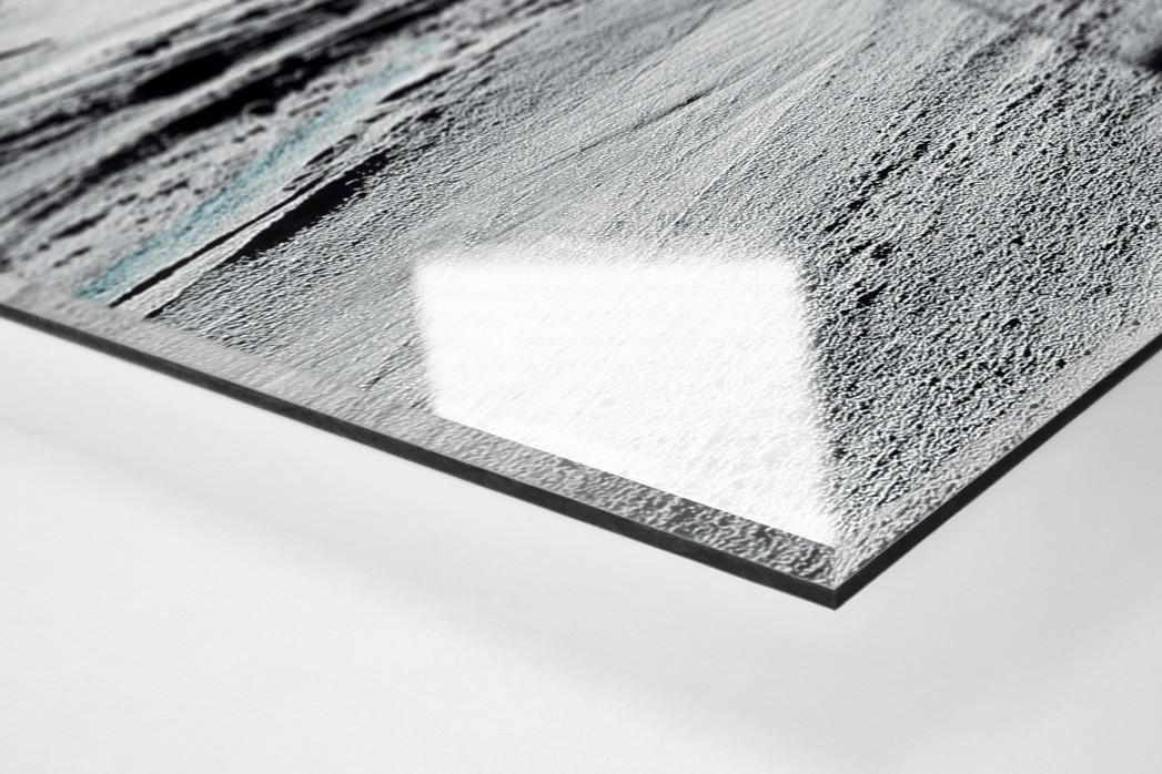 Slalomschatten als Direktdruck auf Alu-Dibond hinter Acrylglas (Detail)