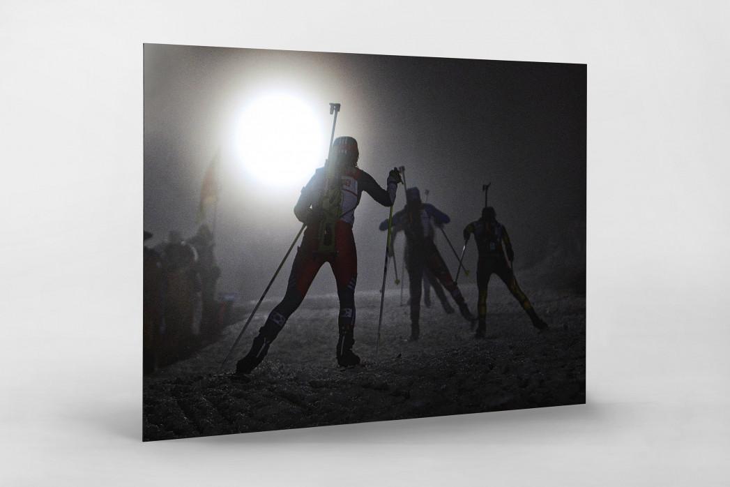 Das Biathlon Dunkel als auf Alu-Dibond kaschierter Fotoabzug