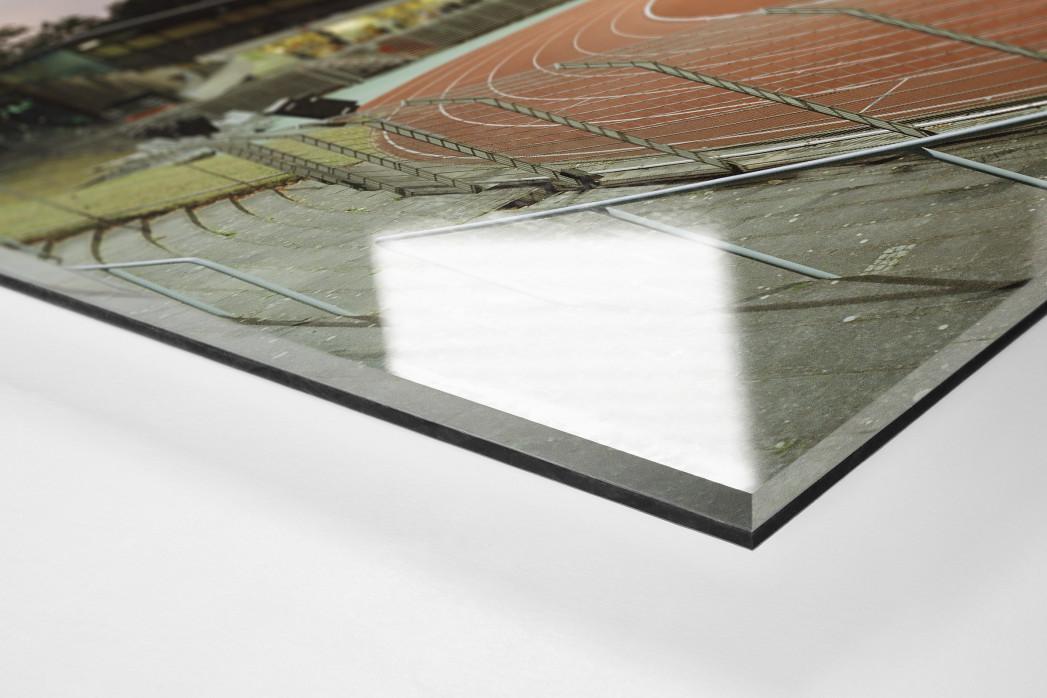 Berlin (Mommsenstadion) als Direktdruck auf Alu-Dibond hinter Acrylglas (Detail)