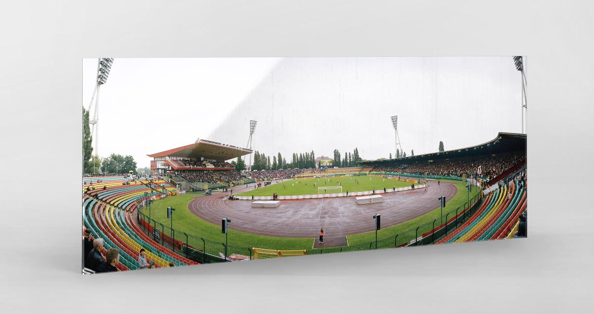 Berlin (Jahn-Sportpark) als Direktdruck auf Alu-Dibond hinter Acrylglas