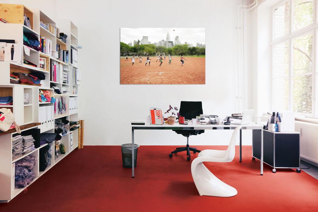 »Bolzplatz im Park« in deinem Büro - 11FREUNDE BILDERWELT