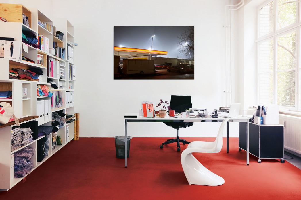 »Tanke vor dem Eintracht-Stadion« in deinem Büro