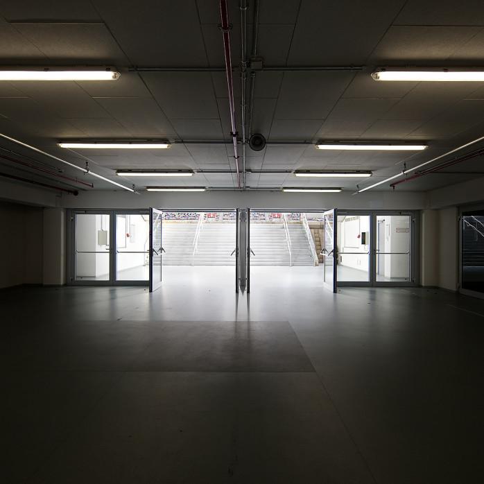 Spielertunnel ESPRIT arena - 11FREUNDE BILDERWELT