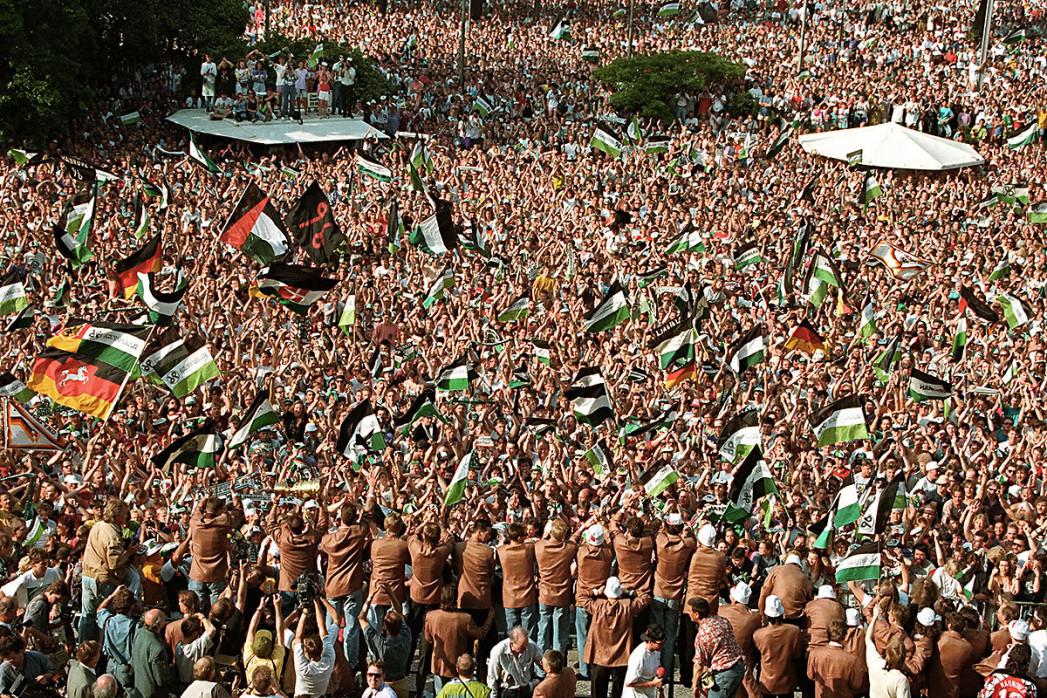 Empfang der Pokalsieger Hannover 96 - 11FREUNDE BILDERWELT