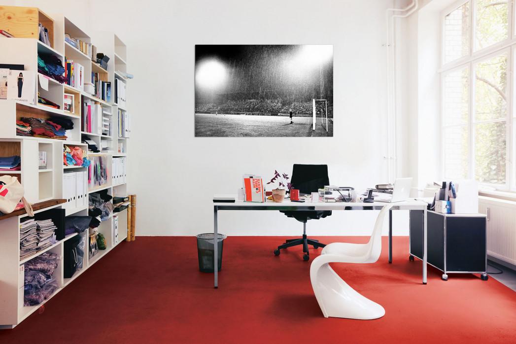 »Flutlicht und Regen« in deinem Büro