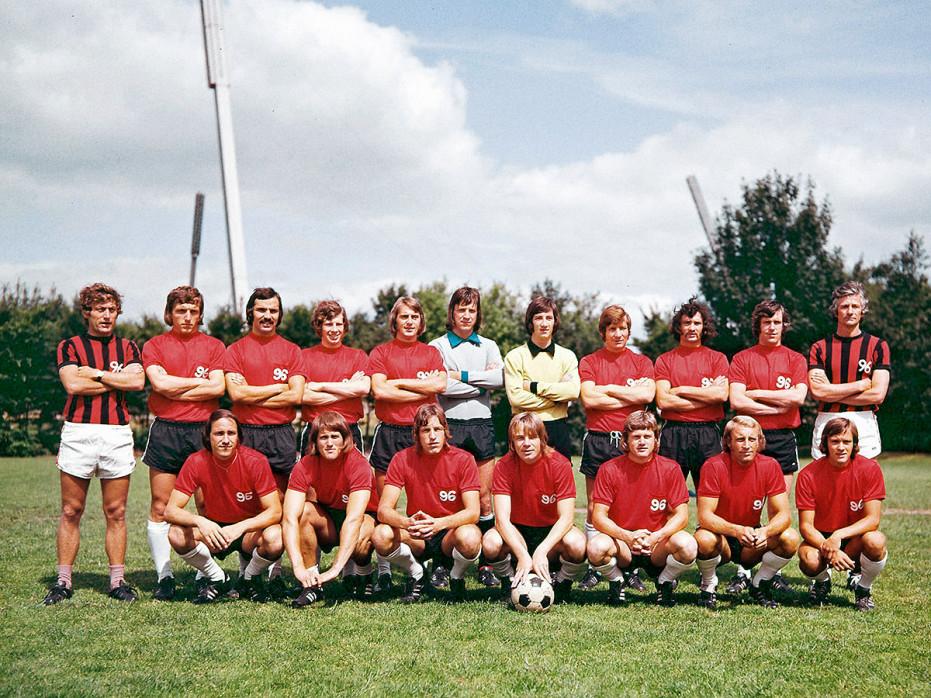 Hannover 96 Mannschaftsfoto 1972/73 - 11FREUNDE BILDERWELT