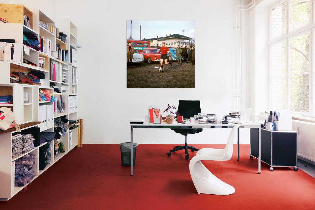 »Strehl auf dem Parkplatz« in deinem Büro - 11FREUNDE BILDERWELT