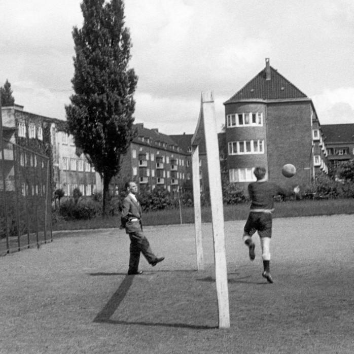Auf dem Hinterhof - 11FREUNDE BILDERWELT