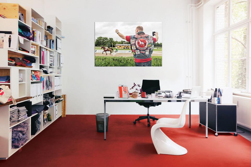 Kutten in anderen Sportarten, Motiv: Pferderennen, in deinem Büro - 11FREUNDE BILDERWELT