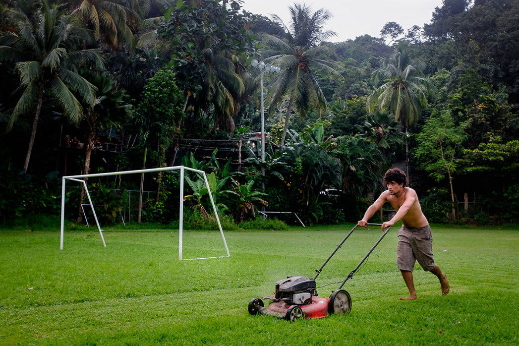 Rasenmähen in Costa Rica