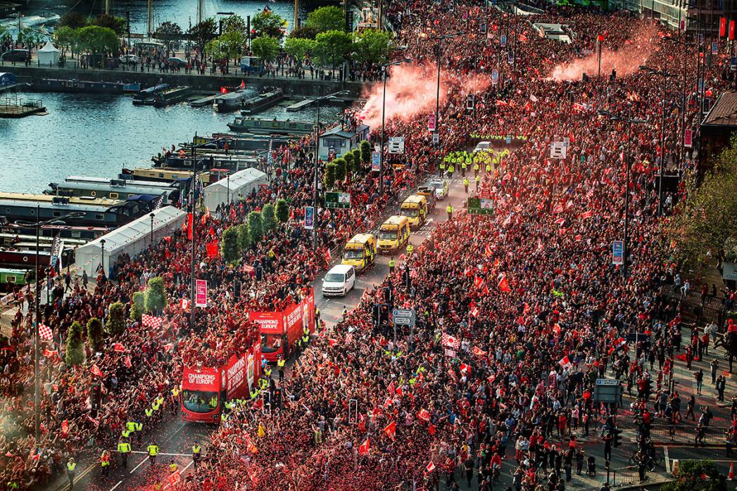 Liverpool feiert (2)